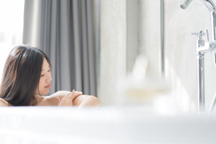 入浴中にコンタクトレンズを使ってもよい?